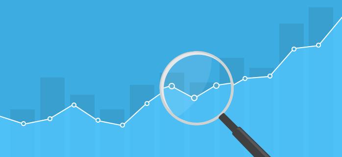 magnifying glass analysing rankings